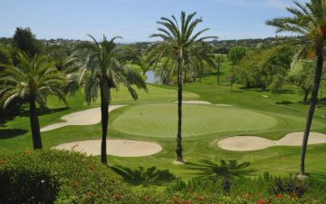 A luscious green golf course in Fuengirola