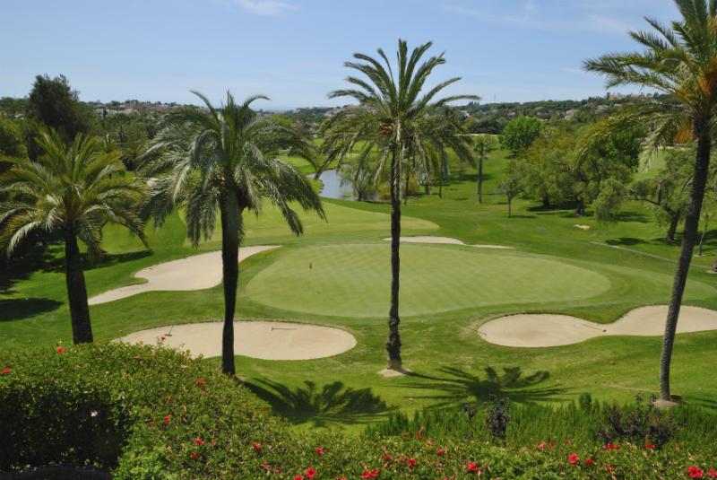 A luscious green golf course in Fuengirola
