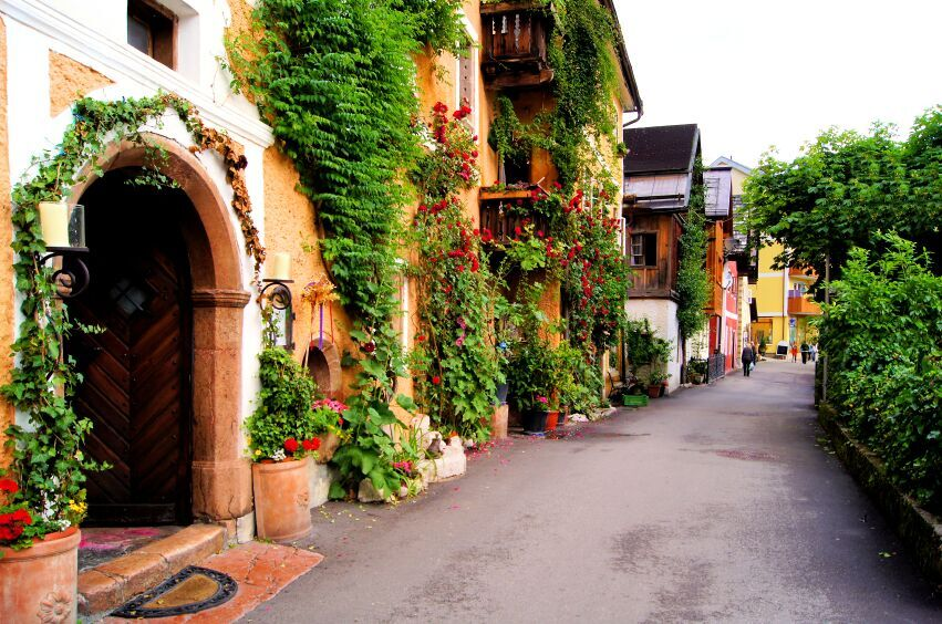 Street village, Hallstatt Austria