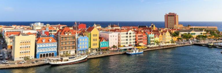 Dutch-colonial-buildings-Willemstad-Curacao-Caribbean