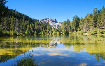 Lake in Sierra Buttes, northern California