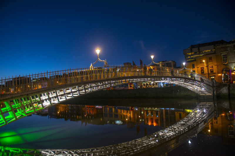 Hapenny Bridge, Dublin