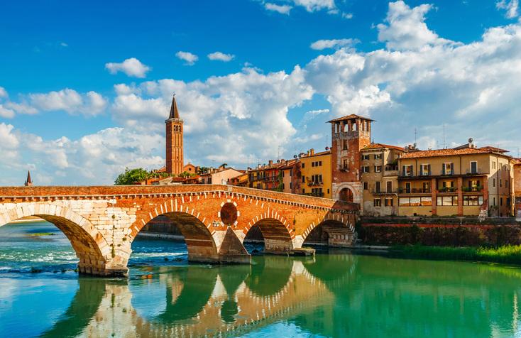 Bridge Ponte Pietra in Verona