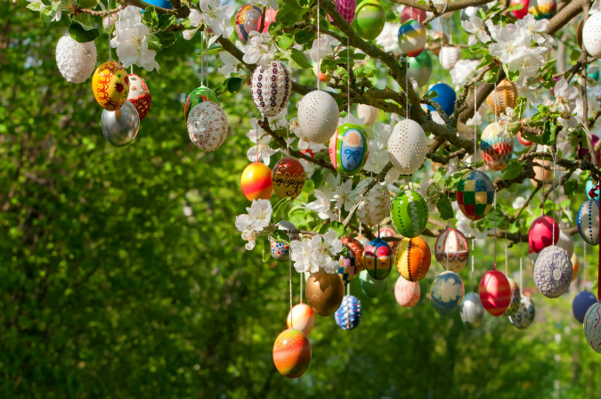 Ostereierbaum Easter tradition in Germany