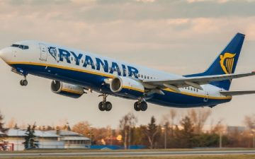 Ryanair Plane Taking Off – New Baggage Allowance For Nov 2018