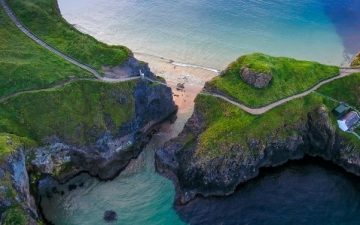 Rope bridge connecting two cliffs in Northern Ireland