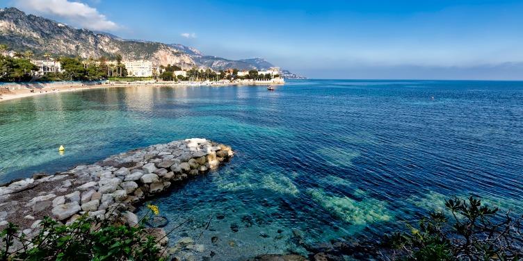 Quiet coastline of Beaulei-sur-Mer in the French Riviera