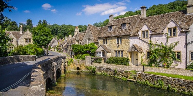 am image of a bridge over the river in Castle Combe, the Cotswolds