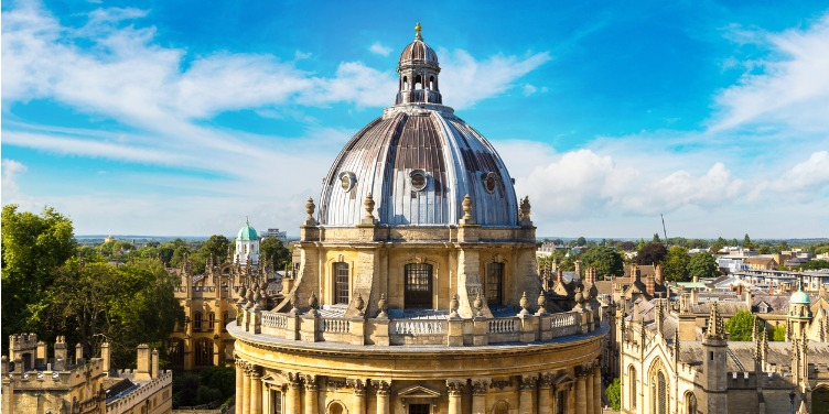 an image of the Radcliffe Camera at Oxford University