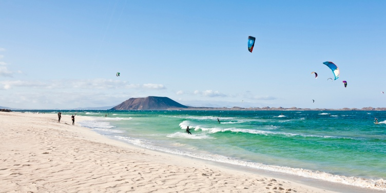 Windsurfers and kite surfers making the most of Costa Calma's windy beaches